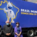 Cardeal Tempesta participa da entrega das primeiras vacinas produzidas pela Fiocruz
